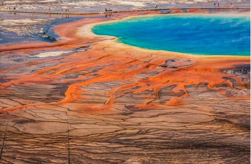 24. Grand Prismatic Spring, Yellowstone National Park, Wyoming, USA_R