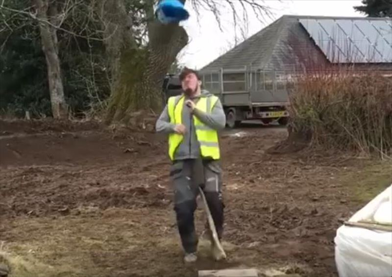 guy-hits-nuts-during-hard-hat-challenge-4_r