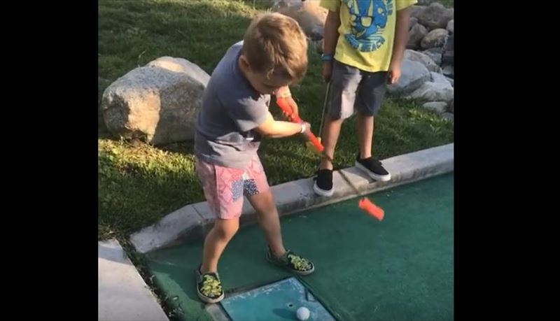 kid-hits-brother-in-nuts-while-miniature-golfing-3_r