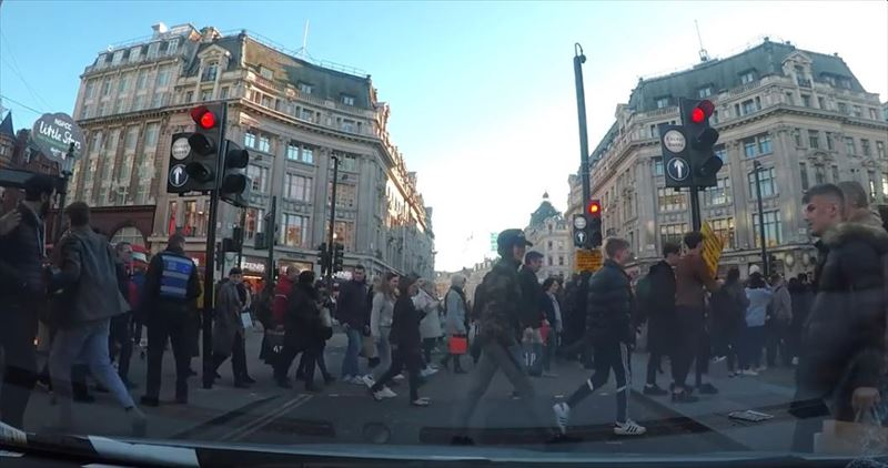 clumsy-chef-trips-and-drops-potatoes-everywhere-dashcam-london-9_r