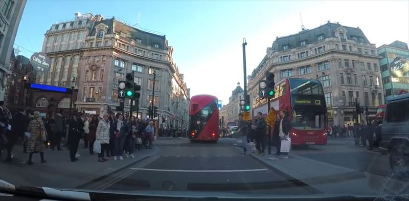 clumsy-chef-trips-and-drops-potatoes-everywhere-dashcam-london_r