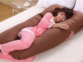 pregnant-woman-holding-pillow-5
