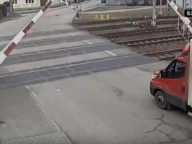 terrible-railroad-crossing-4_r