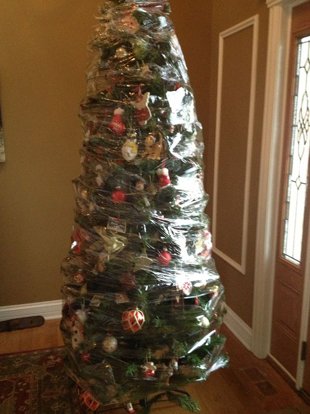 protecting-christmas-tree-from-dogs-cats-pets-25